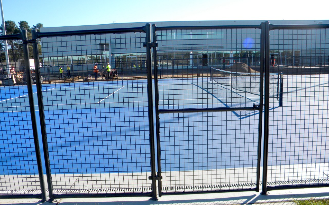 Weld Mesh Welded Wire And Weld Mesh Fence Panels And Rolls