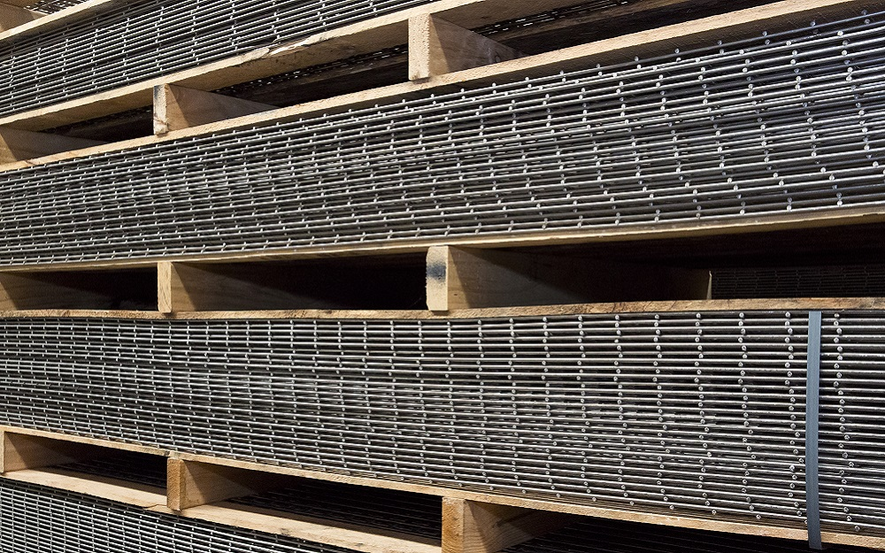 Stainless Steel Welded Wire Mesh Sheets And Rolls