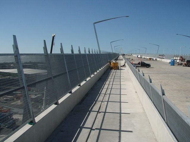 Gateway Bridge QLD installing Security fence