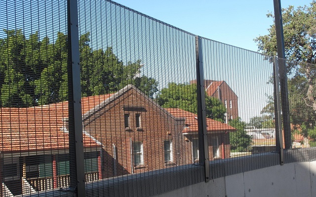 Smart-looking fence with clean contemporary lines